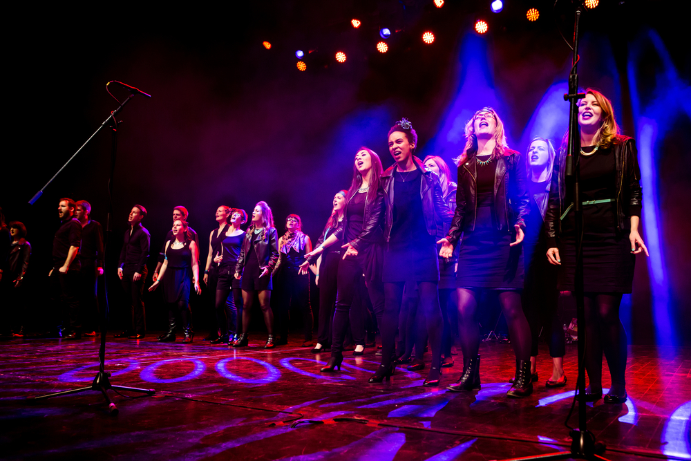 Starling Arts run showchoirs for adults in London. With no auditions or competitions, the choirs strive to sing at a high level whilst retaining a strong sense of community.