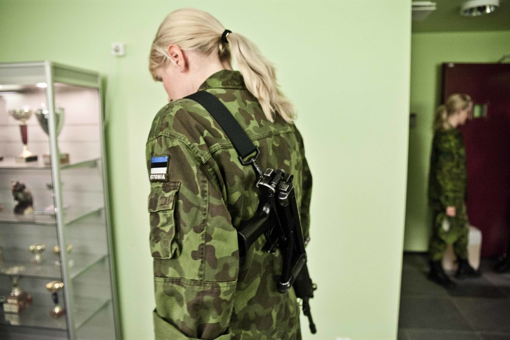 Estonia - Paramilitary Women 03.jpg
