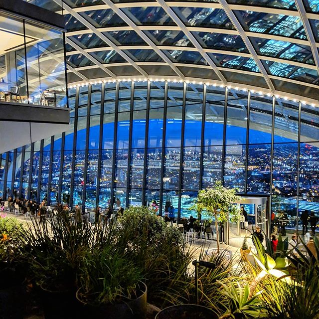 Pretty great end to my first day 🌃 . . . #events #skygarden #lit #london #happy #nightsky #firstday
