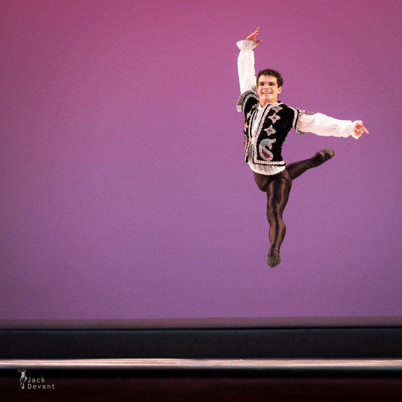 Luis Javier Fuentes    Ep. #86   Small, but incredibly mighty, Luis speaks to his love of the  Ballet  world and how  sacrifice  and dedication shaped his childhood at the National Ballet of Cuba. We talk  body ,  perfection  & giving back.
