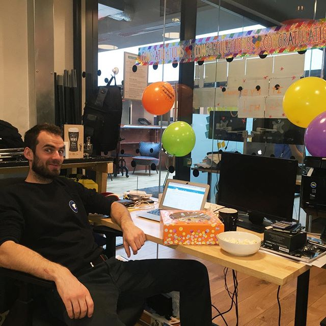 Did somebody say CAKE?!! Yep, It's the boss's birthday and we all have the #fridayfeeling today! #happybirthdayAl #filmproduction #filmphotography #business #wework #weworkldn #startuplife #camera #cameraready #happy #friends #partyhard