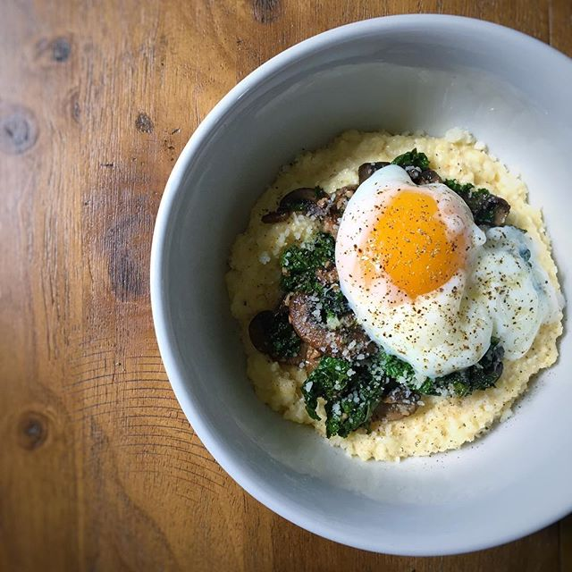 It's been a long time y'all! 🙈We've been very busy, almost too busy to cook! (almost). After a very stressful week, this lazy Sunday called for a simple polenta bowl breakfast with kale and a creamy poached egg. 😍🍳. . We have some exciting news to share very soon! You'll soon know why we have been so quiet! 🤐 Stay tuned! ❤. . #eeeeeats #f52grams #droolclub #infatuation  #feedyoursoull #huffposttaste #getinmybelly #buzzfeedfood #feedfeed #foodgawker #food #foodporn  #shotFromAbove #foodpics #foodphotography  #brunch #breakfast #egg #eggs #yolkporn #kale #mushroom #polenta #grits #morning #sundayfunday #sundaybrunch #mymorning #eat #homemade