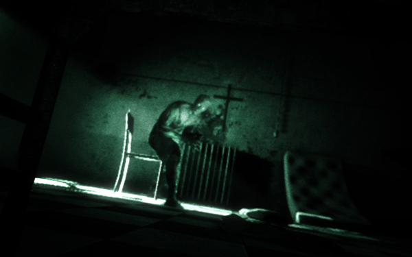 outlast_ps4_01