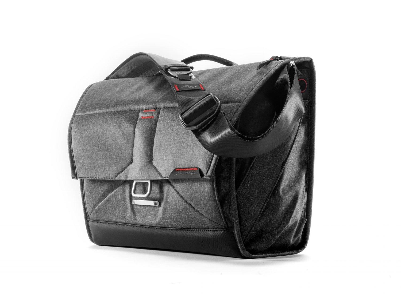4e5c45e67da3 Everyday Messenger Bag Review — DarkStation