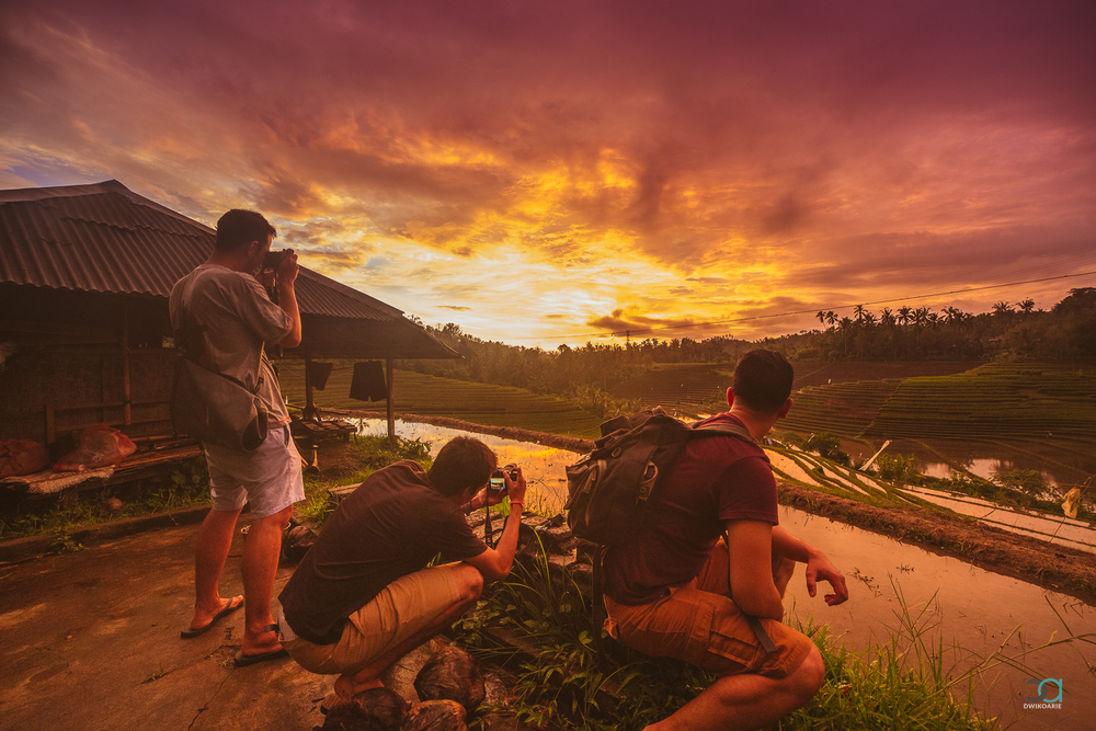 sunset-watching-travel-photography-bali