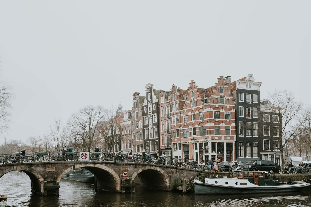 Amsterdam-travel-guide