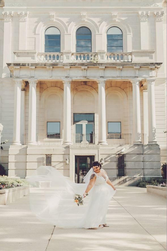 {Photos by: Alicia Marie's Photography}