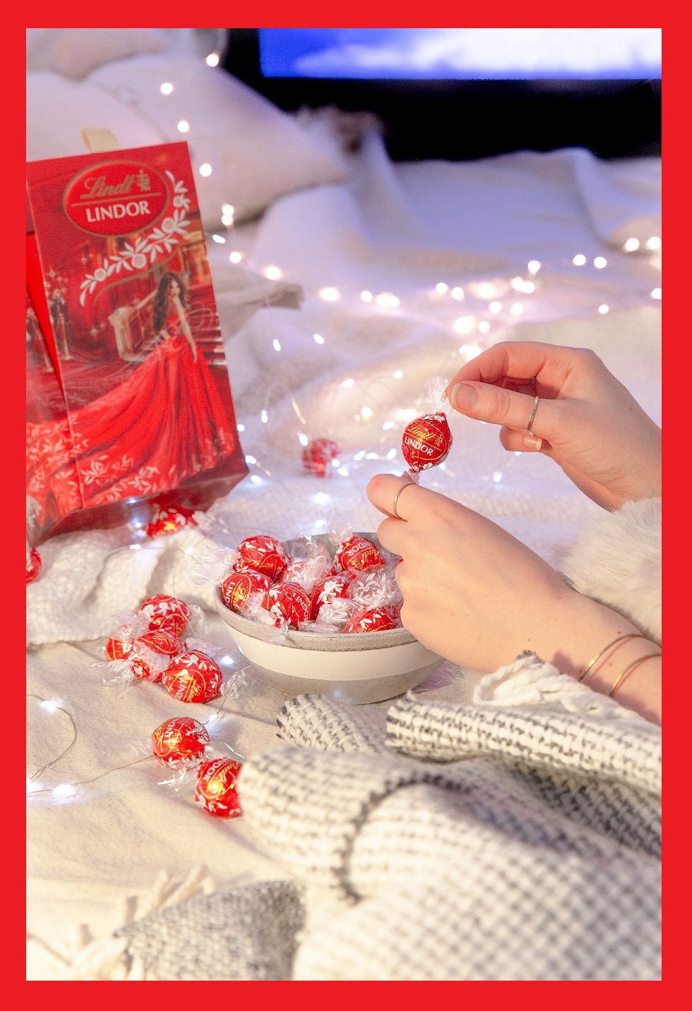 Enter for your chance to win  YOUR OWN LINDT AWARDS SHOW BOX AND A YEAR'S SUPPLY OF LINDOR TRUFFLES (Ends 9/30/2018)