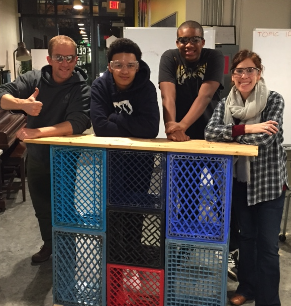Students and volunteers building the CENTER's zero-wast coffee cart.