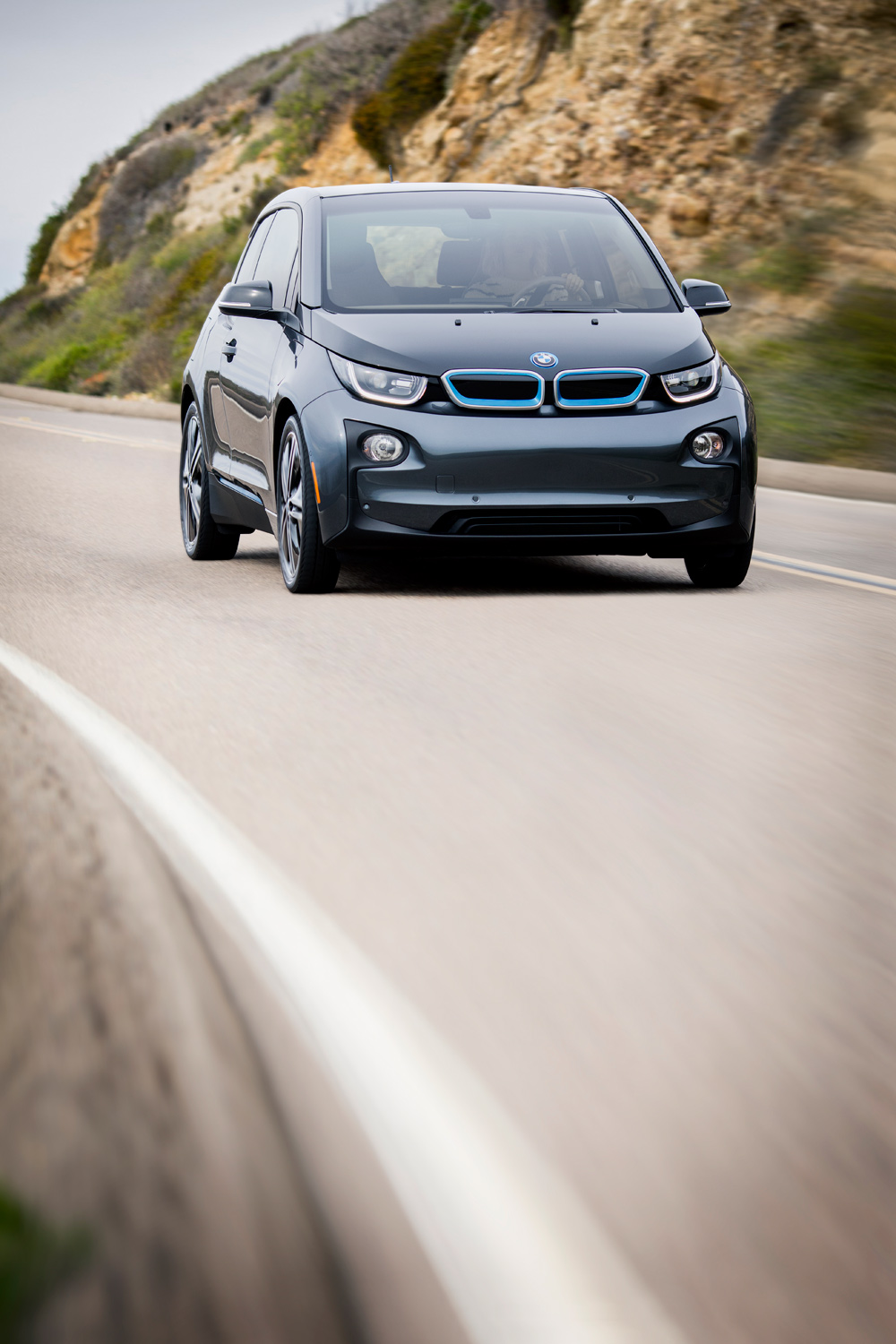 lou-mora-bmw-i3-automotive-lifestyle-001.jpg
