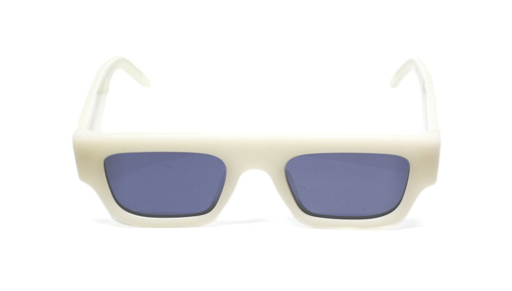 WHITE_SUNGLASS_360.jpg