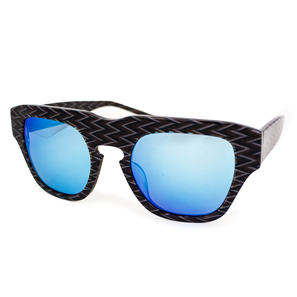 The Dagger Sunglasses in Zig Zag Black