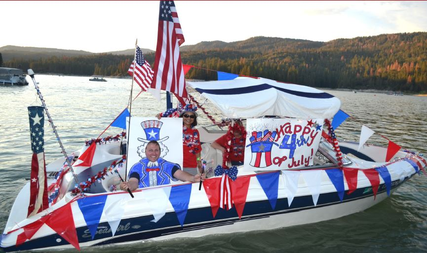 Bass Lake Boat Parade