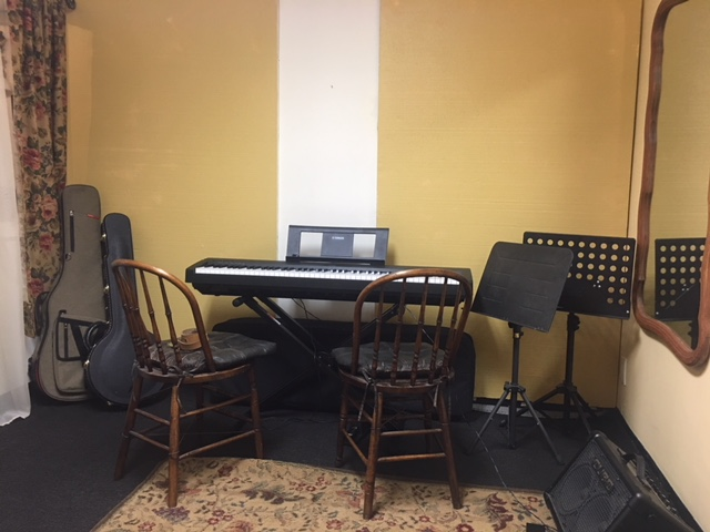 Studio Rentals - Are you looking for a place to teach, practice, or rehearse with you friends? We have the space for you! Here at Allegro Strings we have studio spaces for rent. The studios can be reserved for 30 minutes and up.Please contact us for more information!360-671-8059