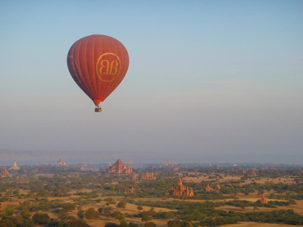 Ballooning, Bagan, Myanmar