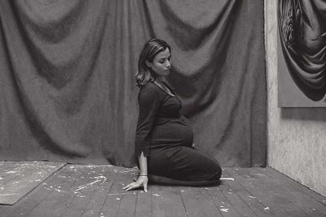 Mother & Singer-Songwriter, @christinetencemusic  _______ #vsco #vscocam #singer #songwriter #mother #singersongwriter #artist #folk #maternityphotography #maternity #blackandwhite #portrait #makeportraits