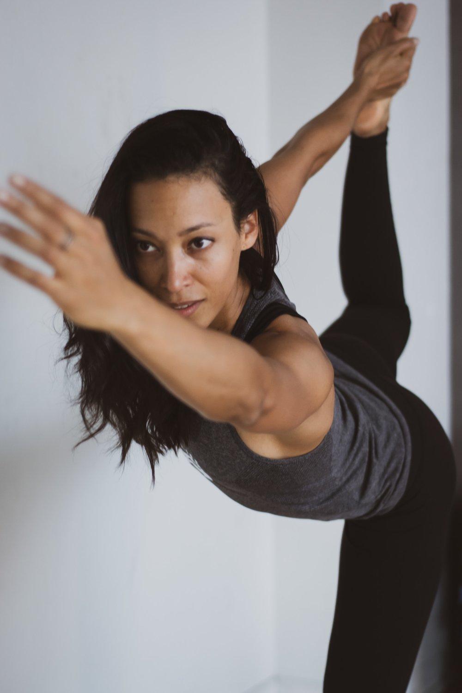 balance-exercise-facial-expression-1533887.jpg