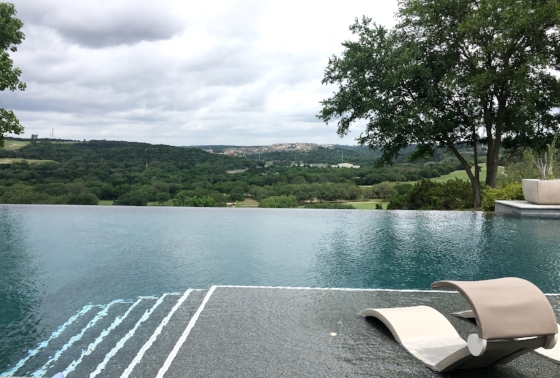 This infinity pool is everything...