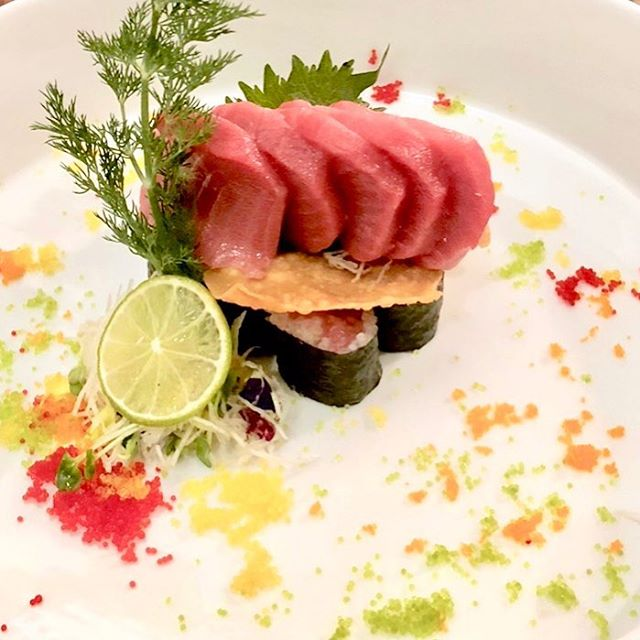 You never know what to expect from our sushi chefs. Hidden tuna  treasures 🍣 We'll save a table for you. #datenight #chefspecial #creativeplates #seeyousoon