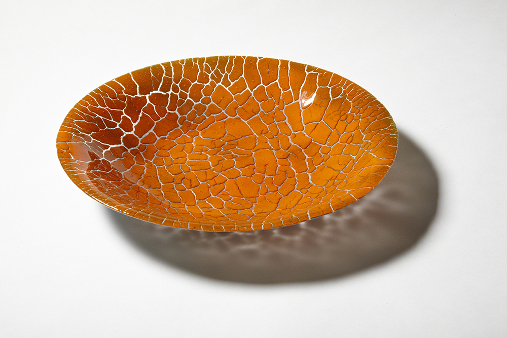 CRACKED EARTH POWDERED GLASS BOWL