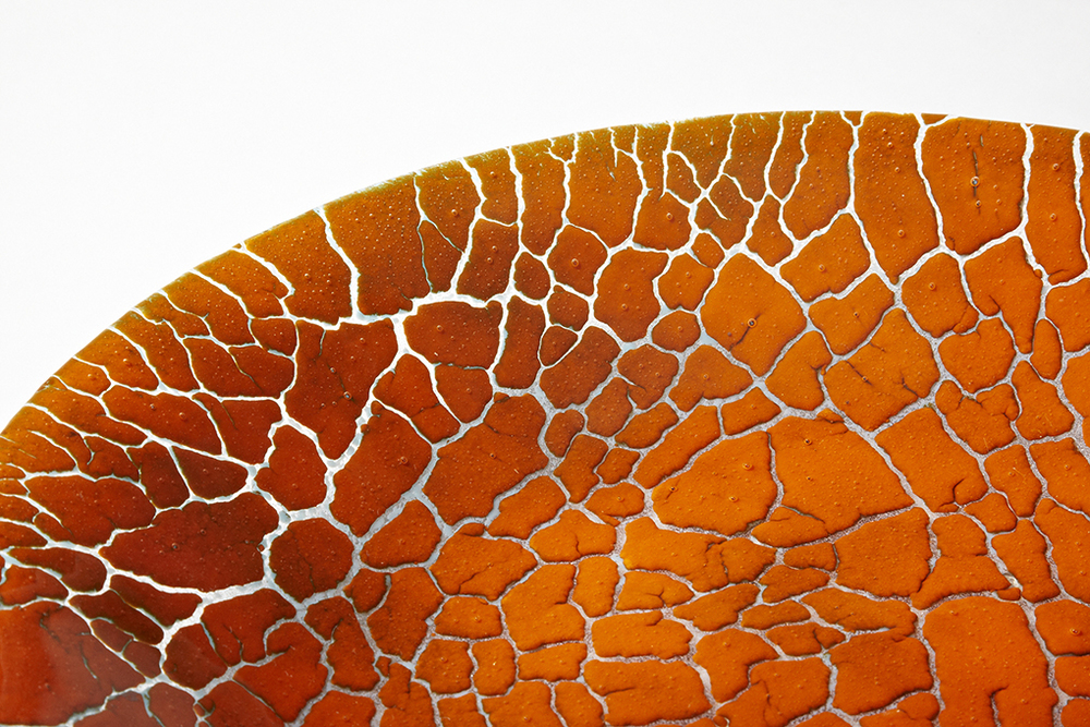 DETAIL CRACKED EARTH POWDERED GLASS BOWL