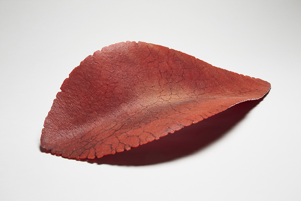 FALLEN LEAF IN POWDERED GLASS