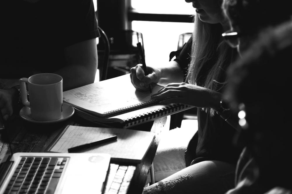Authention_Pexels_people-woman-coffee-meeting_V2_LR_Grey1.jpg