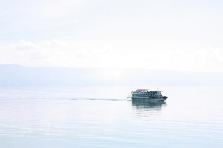 Fähre auf dem Toba See