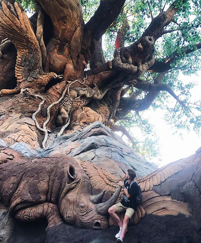 Anyone else just like to sit and stare at the Tree of Life all day? 🌿🦏 #thelostbells