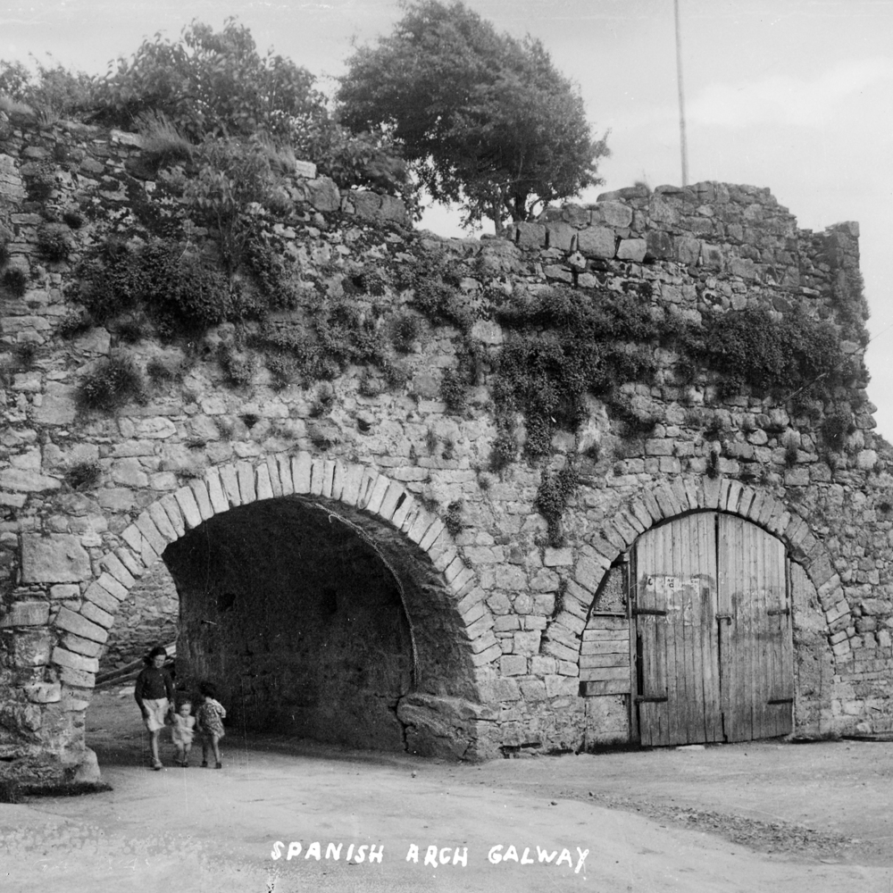 spanish_arch_galway_history_heritage_tour.jpg