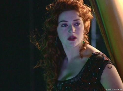 Kate-Winslet-titanic-37912828-500-371.jpg