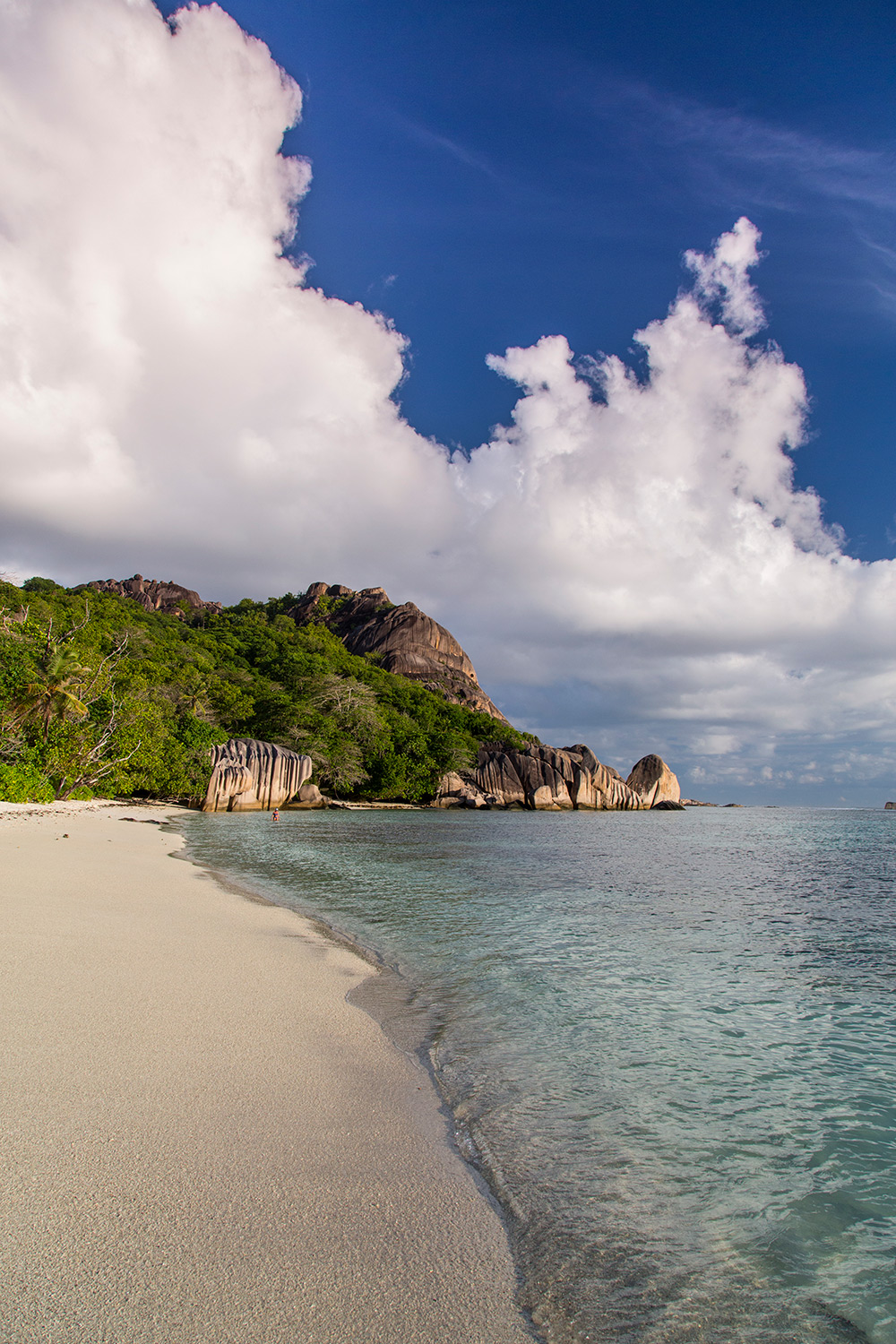 BeachBar_LaDigue_Seychelles_052.jpg