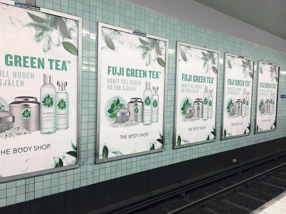 Stor utomhuskampanj som bl.a. syntes i busskurer, på stortavlor och i Stockholms tunnelbana