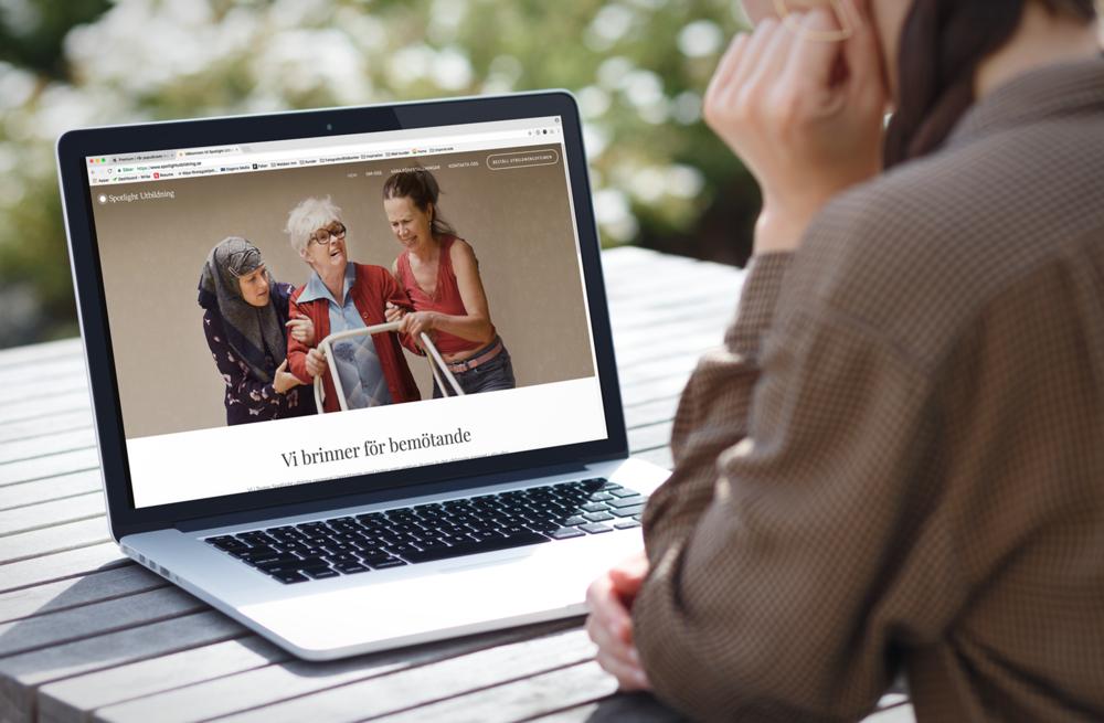 sportlight utbildning webbsida laptop