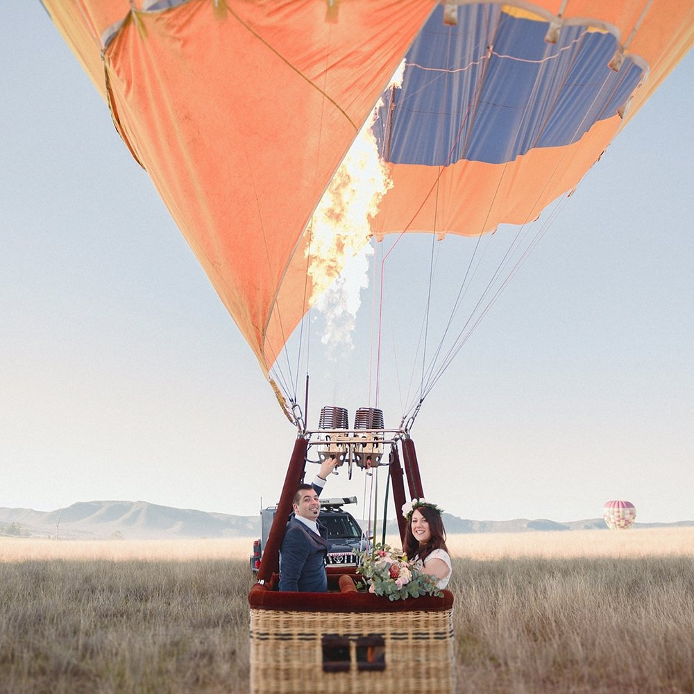 LAURA + SHAUN - HOT AIR BALLOON ELOPEMENT