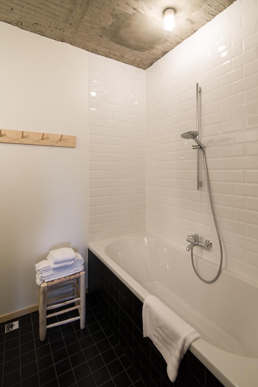 jam-hotel-brussels-rooms-mega-room-03.jpg