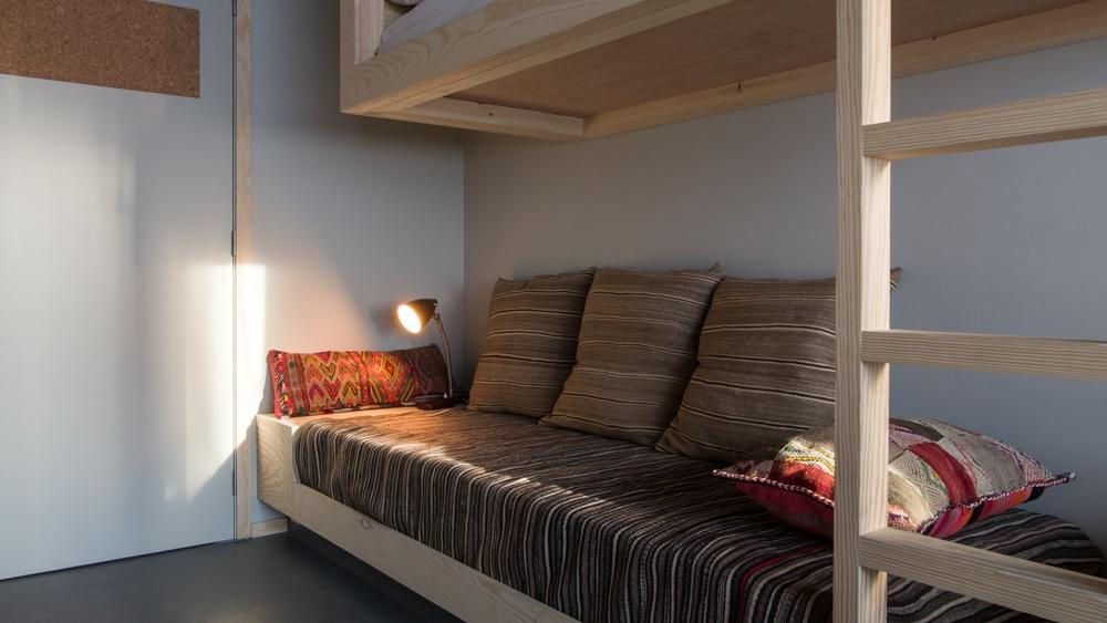 jam-hotel-brussels-rooms-supra-room-07.jpg