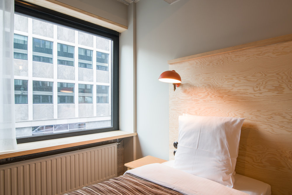 jam-hotel-brussels-rooms-super-room-04.jpg