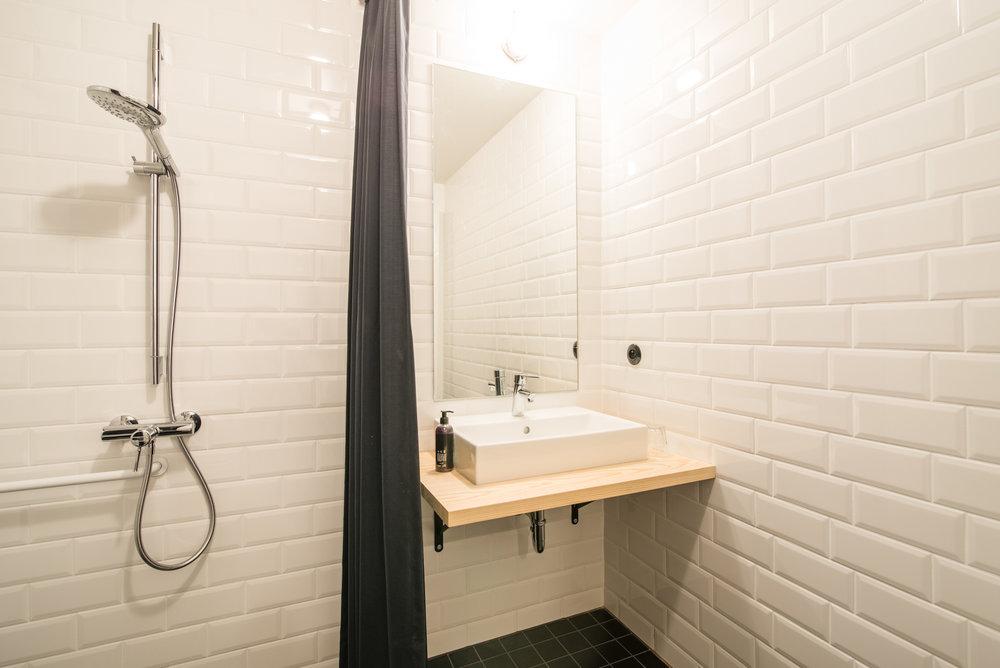 jam-hotel-brussels-rooms-super-room-07.jpg