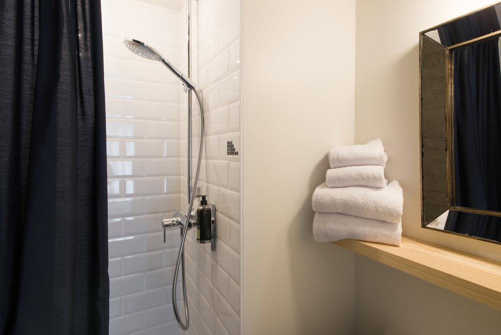 jam-hotel-brussels-rooms-extra-room-06.jpg