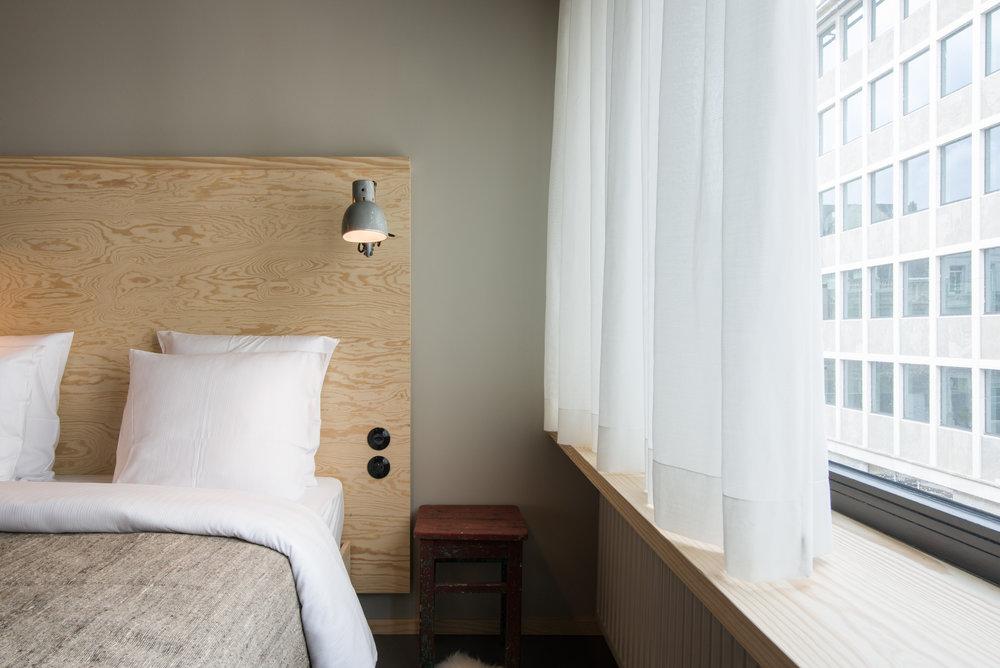 jam-hotel-brussels-rooms-hyper-room-02.jpg