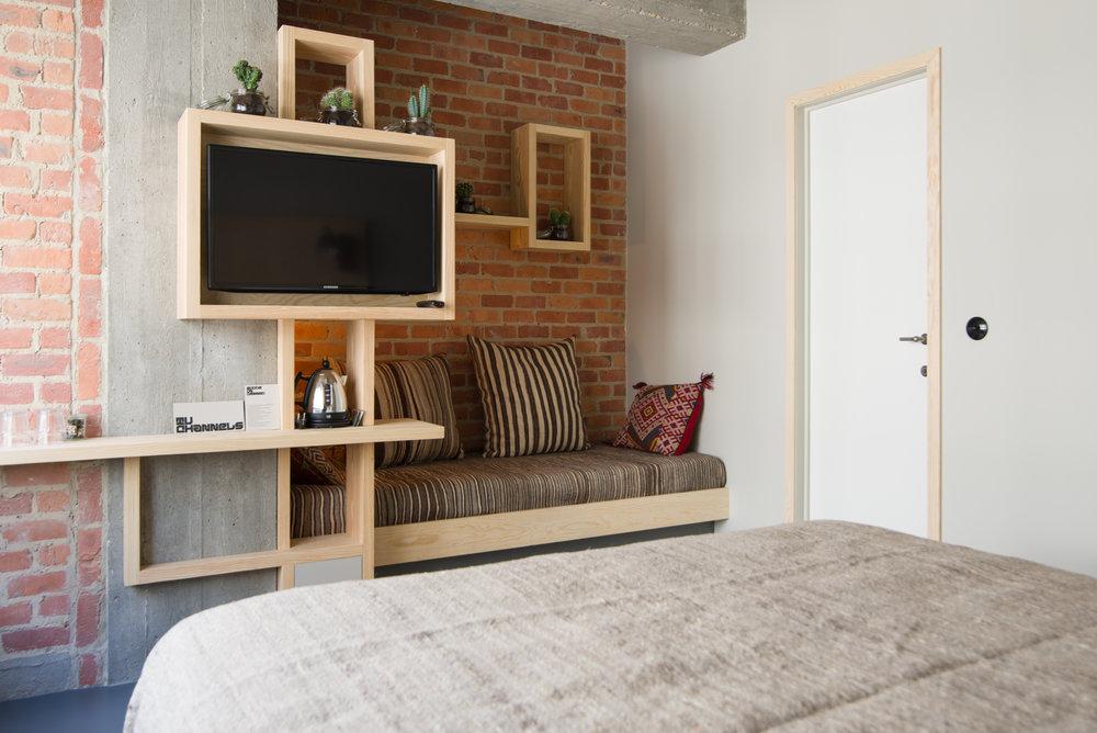 jam-hotel-brussels-rooms-hyper-room-03.jpg