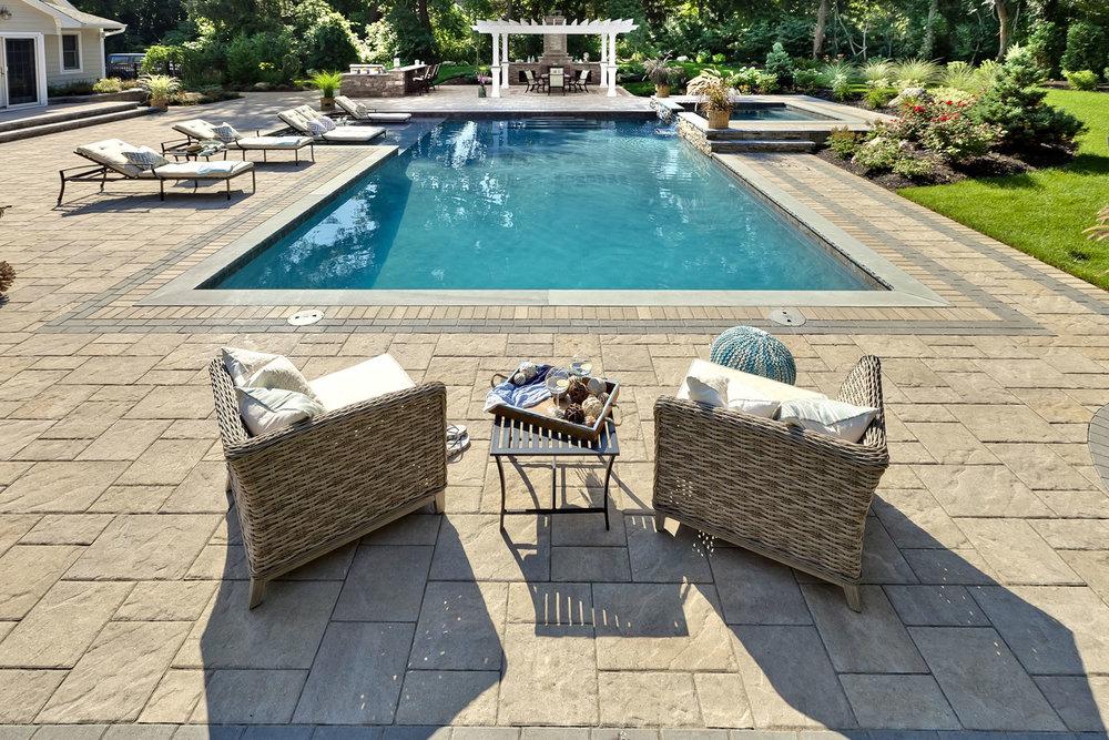 Custom Gunite Pool & Spa Backyard Transformation