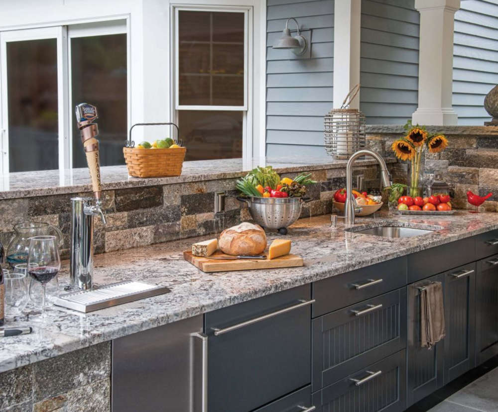 Outdoor Kitchen Cabinets: Built In Or Modular