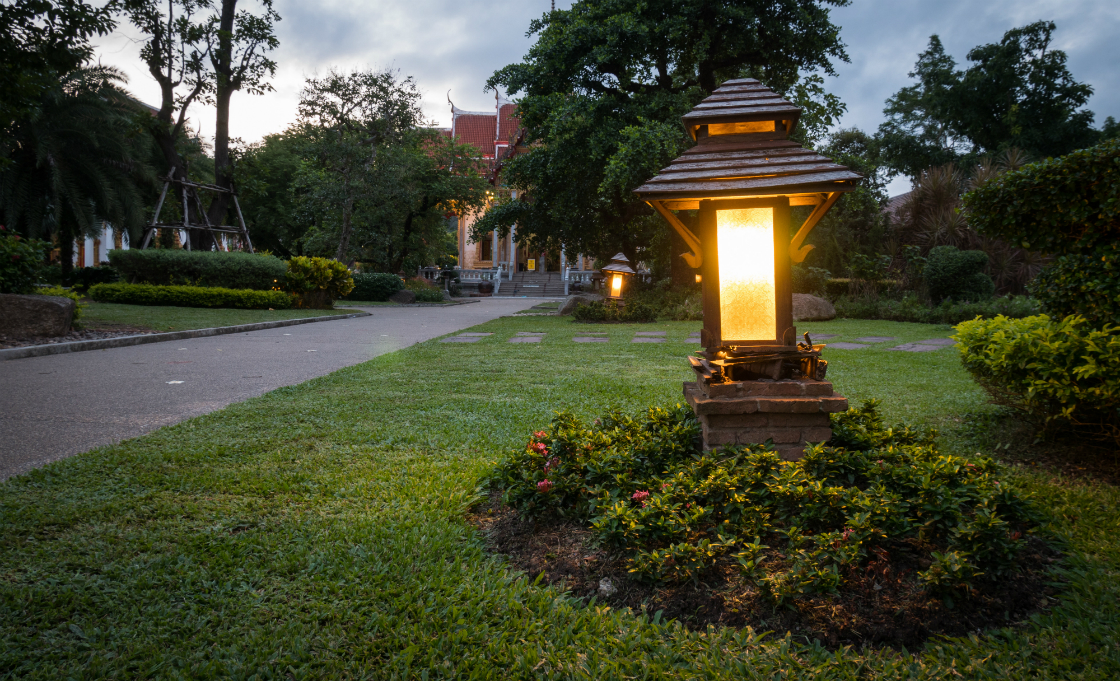5 adjustments to make to your oyster bay landscape lighting before