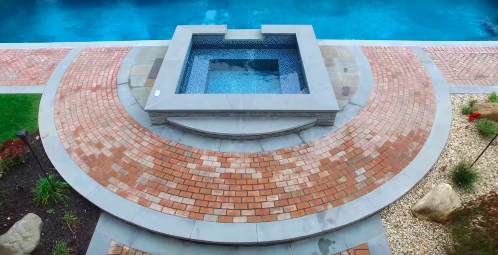At home relaxation  GUNITE SWIMMING POOLS & SPAS    view our work