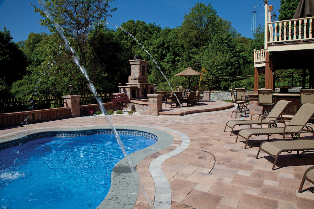 How a Gunite Pool Builder Can Customize Your Swimming Pool ...