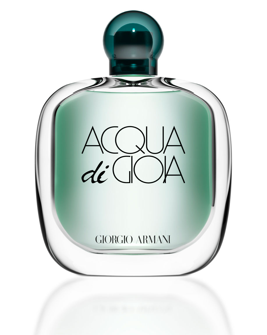 computer generated image of cologne bottle