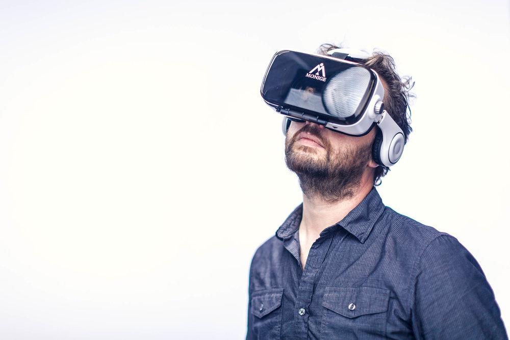 Bruce VR Goggles_3619.jpg