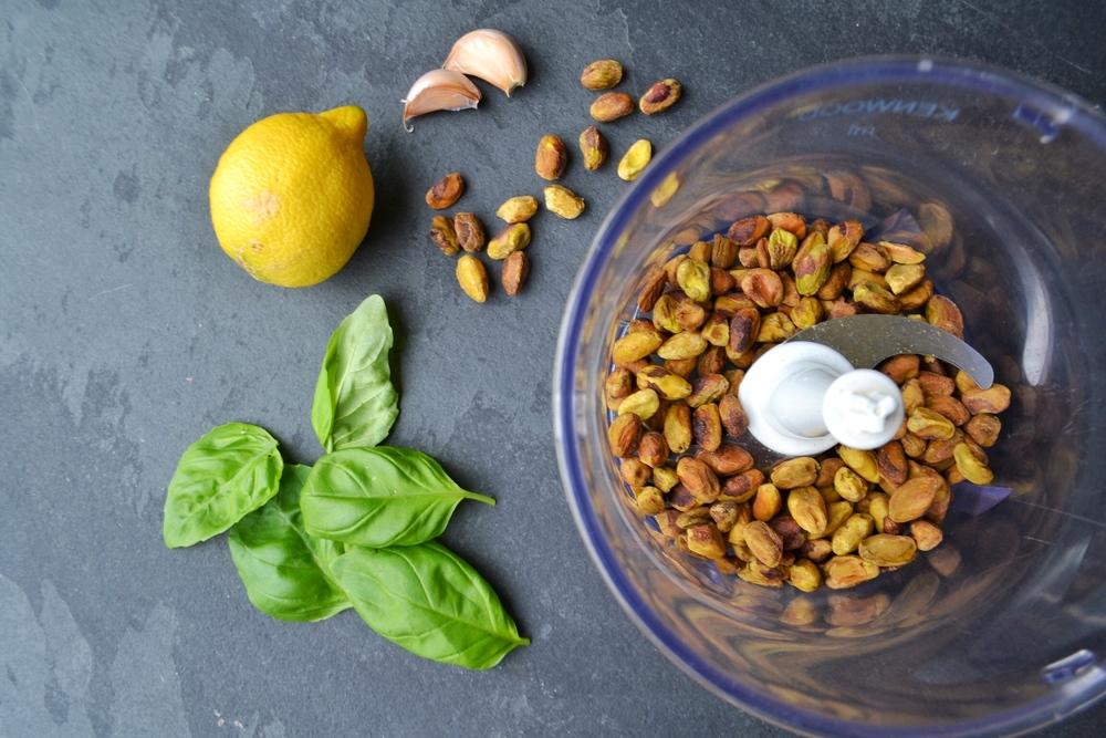 pistachios pesto